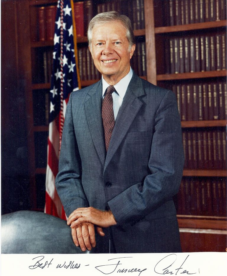 SIGNED COLOR PHOTOGRAPH. Jimmy CARTER.